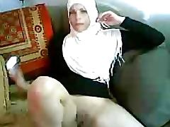 Lustful Amateur Arab MILF Sucks Cock and Gets Her Pussy Eaten and Fucked