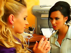 Glamorous chicks make office lesbian