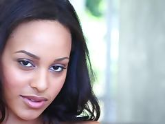 Kaylia Cassandra the pretty black babe in close up video