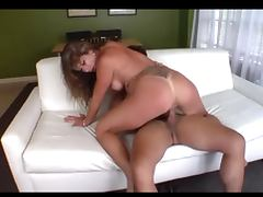 Natalie Norton enjoys her friend to cum