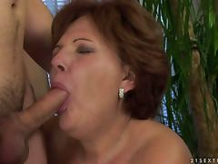 Horny Experienced Mature Showing Her Skills in Hardcore Sex Clip