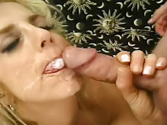 Mature Ricky Lixxx loves to feel cum in her mouth