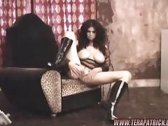 Lovely Tera Patrick shows her hot pussy in a photo shoot