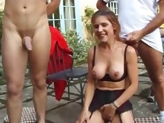 Mature fuck in the garden anal DP