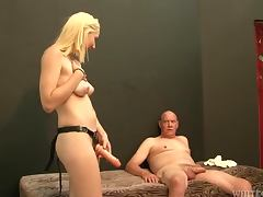 Rylie Richman plays dirty games with her tight assholed BF