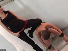 Sinead the bald girl gets toyed and fingered by Mandy Bright