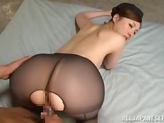 Gorgeous MILF Yui Tatsumi loves when her pantyhose is ripped