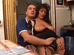 Gorgeous Italian mature babe gets so fucking sensual
