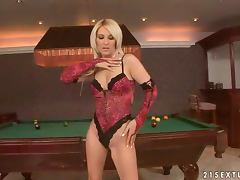 Jessika Girl poses naked and toys herself on a billiard table