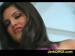 Classy Sunny Leone craves erection