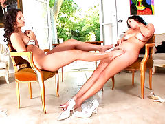 Eve Angel is licking feet of Jelena Jensen