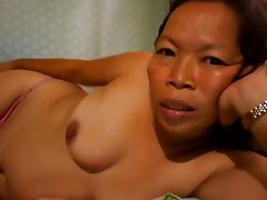 FILIPINA GRANDMA SHOWING HER NICE BOOBS ON CAM porn video