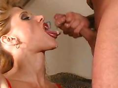 Mature blonde does natural deepthroat