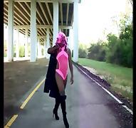 Aurrianna's Sexy Stroll! 1