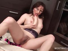 Mature stunning brunette fucking herself with a hot sex toy