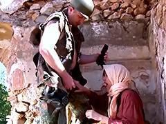 Fatima Alabia reine de la pipe sur le Beurette Travel
