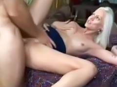married milf s sweet cunt is licked before fucking