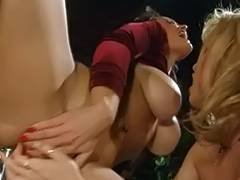 Fascinating lesbo babes eating snatch
