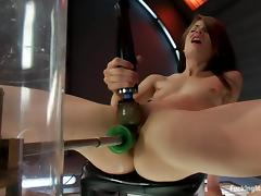 Sensi Pearl fingers her vag while getting it fucked by a sex machine