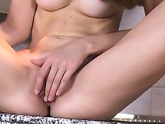 Silvie Czech babe gaping and stretching