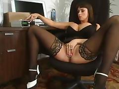 Summer Cummings enjoys playing BDSM games with herself porn video