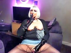 Chrissie smoking and wanking