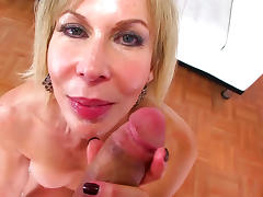 Pretty mom is sucking until sperm will come