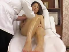 Saruki receives a pussy massage from me in porn voyeur video porn video