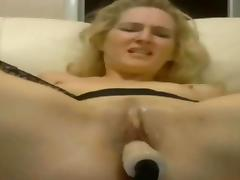 Sexy Blonde Uses Sex Toys for an Hour on Webcam