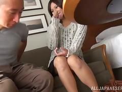 Fingering a Japanese Girl's Pussy Before She Handjobs