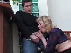 Boy didn't want to kiss Mature, but fucked her Ass