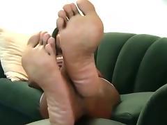 Ebony with nice feet
