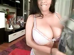 Webcam show (low view)