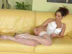 Sexy Slut Daria Glover With Sexy Body Rubs Her Cunt