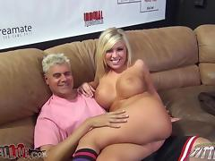 Lia Lor gives a hot blowjob and gets her snatch fingered