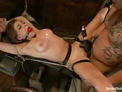 Derrick Pierce dominates Tiffany Star before smashing her vag with his dick