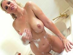 Uncultured tow-haired with shaved pussy Julia Ann is excitable her vag porn video