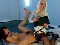 Kinky Bianca Stone gets the brush gradual vagina stuffed about an electro dildo
