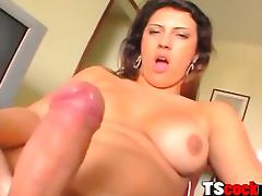 Fat soul shemale plays surrounding her shecock