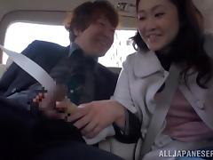 Slutty Kaoru Shinjyou sucks big cock in a car