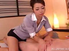 Sizzling Japanese chick makes a guy cum during massage