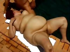 Striking Sindee Williams Serves A Yummy Blowjob Outdoors