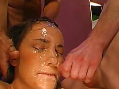 Beauty Meli is getting sperm on her face