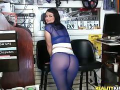 Curvy Latina in nylon gets banged in a motorcycle repair