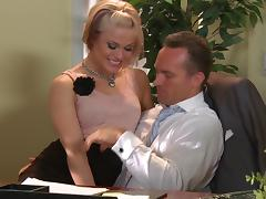 A sweating sex in the office with sexy blond Ash Hollywood
