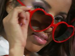 Lupe Fuentes gives a blowjob and gets cum on her sunglasses