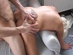 Bleached chick Marie fucks in her anal hole