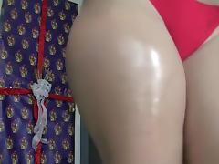 Twerking my oiled buttocks