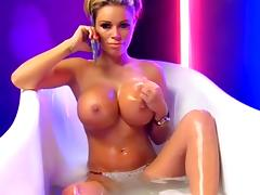 Beautiful British Lady Show Off Boobs