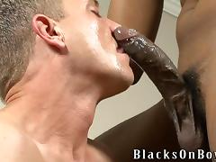 A brutal Black guy fucks a White dude in the ass